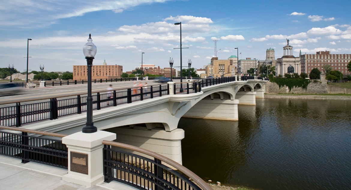 High-Main Street Bridge
